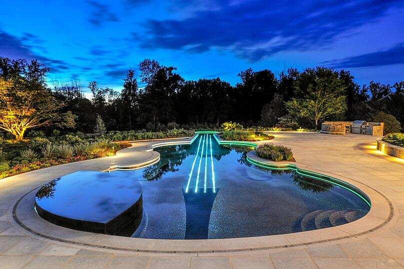 With custom LED lighting Cipriano Landscape Design takes Oceanside Glasstile to a whole new level